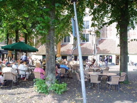 Locatie deventer kunstmarkt is gestopt - Buiten terrassen ...